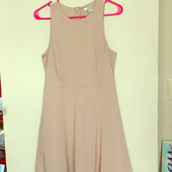 Forever 21 Dresses & Skirts - Fitted a line Nude Dress